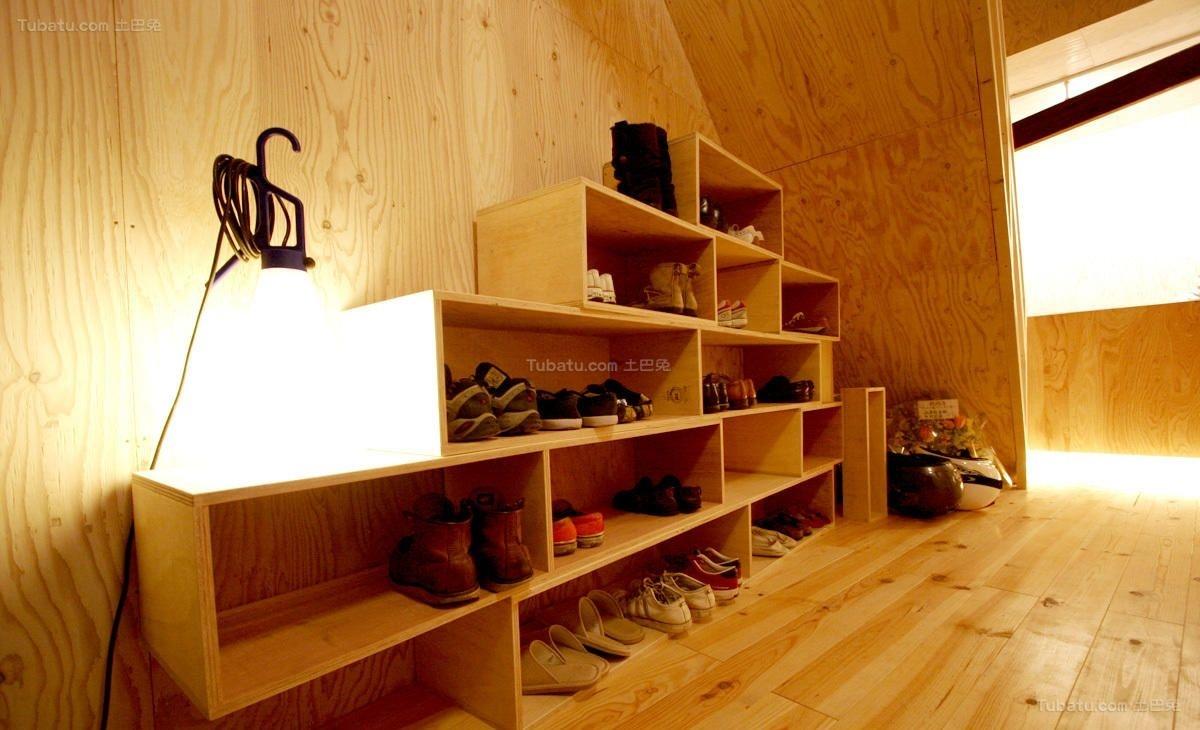 温馨鞋柜带挂衣柜效果图