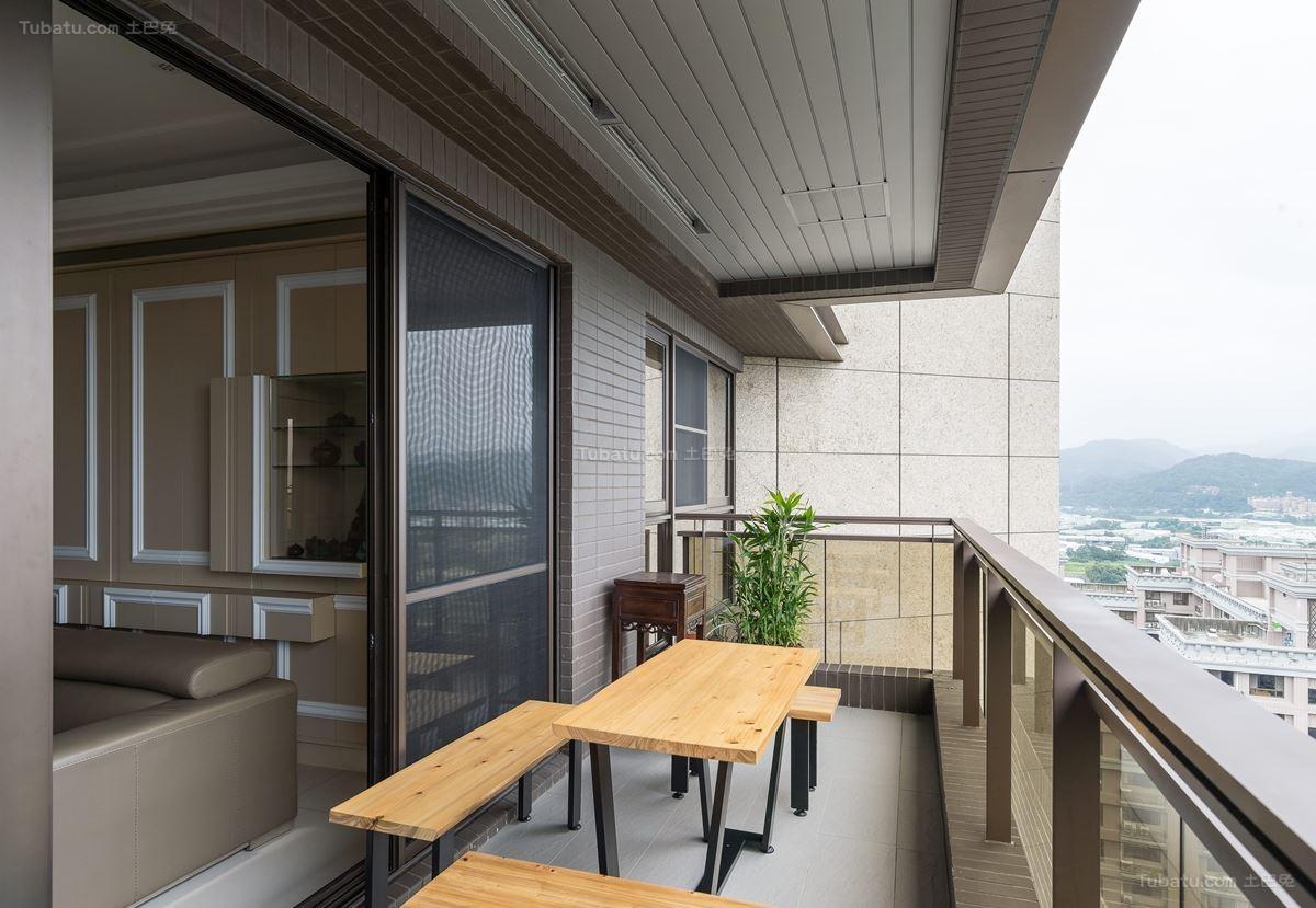 古朴优雅的新古典风格阳台装修效果图