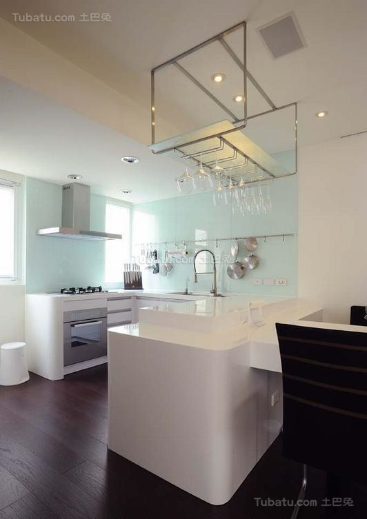 潮流温馨现代化厨房装修效果图
