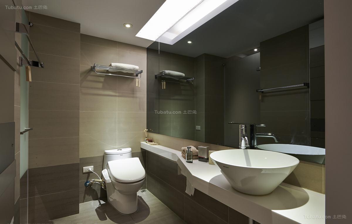 温暖时尚现代化卫生间装修效果图
