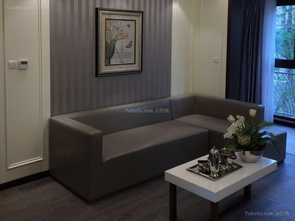 沉稳静谧现代风格客厅设计效果图