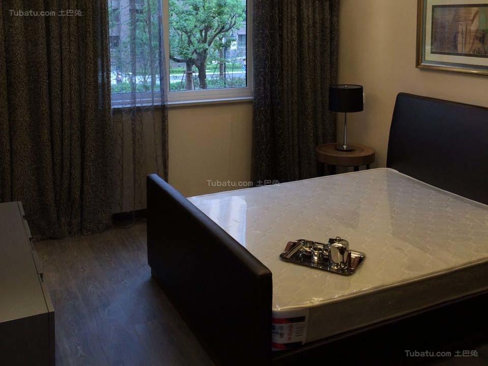 沉稳静谧现代风格卧室设计效果图