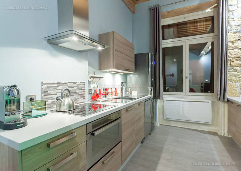 清新简约雅致厨房设计效果图