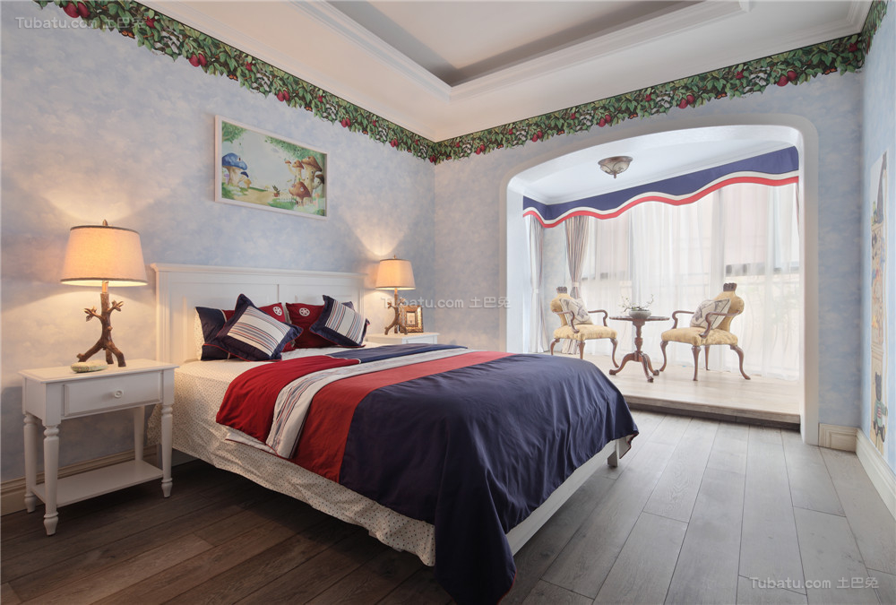 美式精美清雅卧室欣赏图