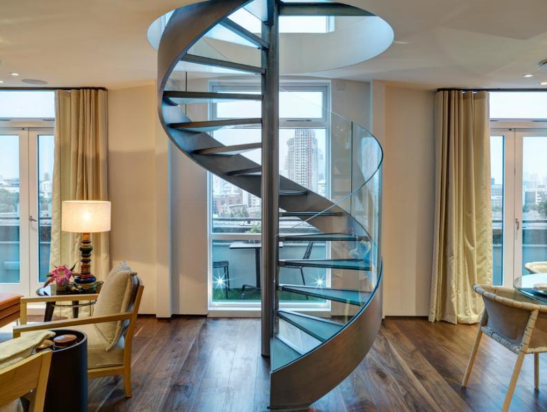 低调二层楼房楼梯