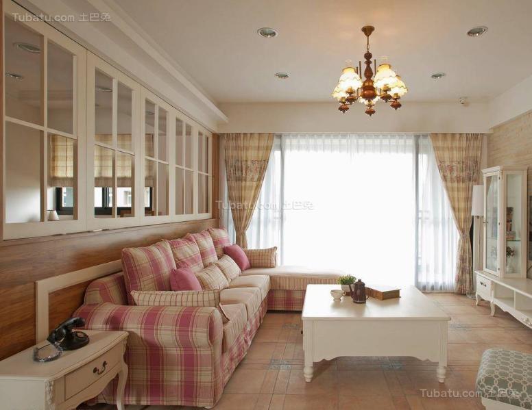 美式粉色甜美三居室效果图