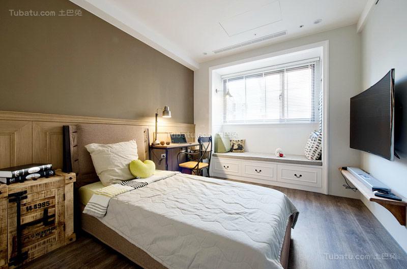 美式温馨二居室卧室设计图片