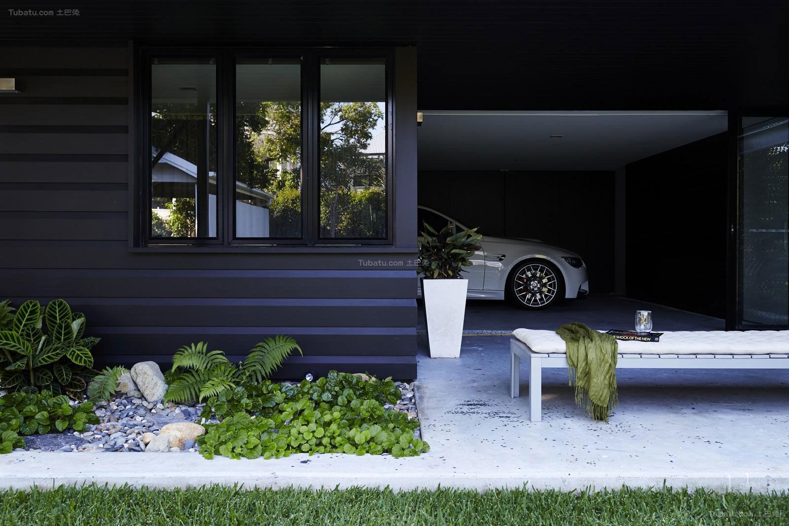 北欧舒适复式楼花园效果图