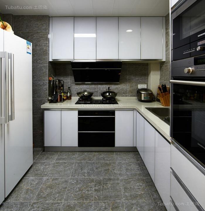 现代时尚公寓厨房