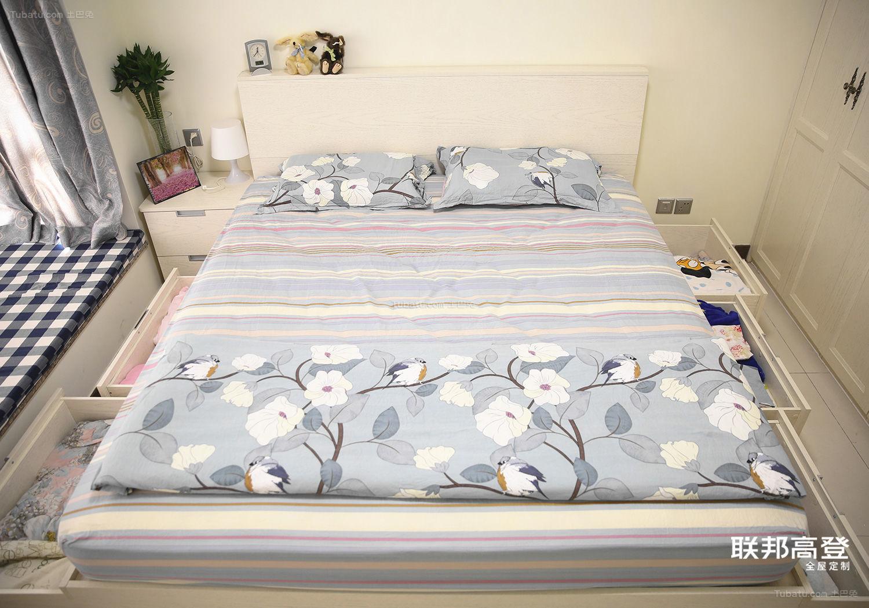 主卧床抽屉储物
