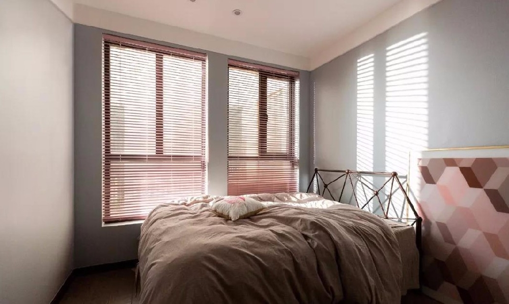 88平现代极简两室 95后个性家装设计10391352