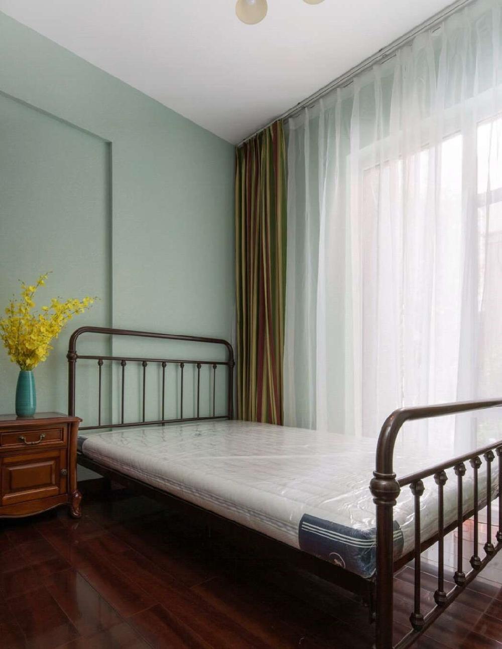 三室兩廳的美式風格顏色搭配豐富多彩10501922