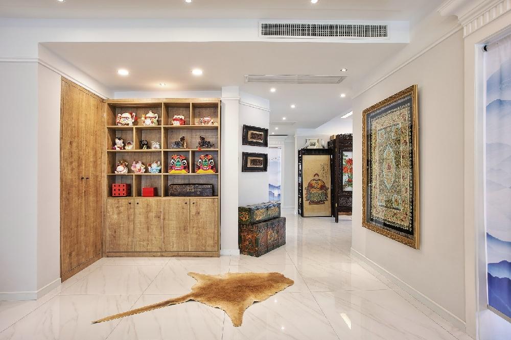 220平米混搭风格三居室内设计效果图10524350
