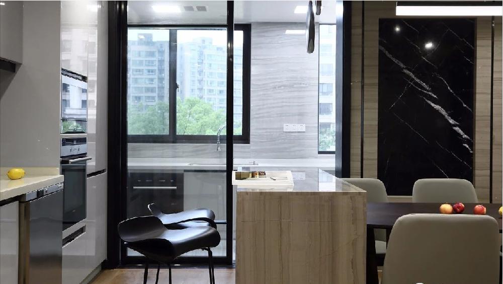 时尚质感简约大平层 阳台改厨房扩大餐厅11182922