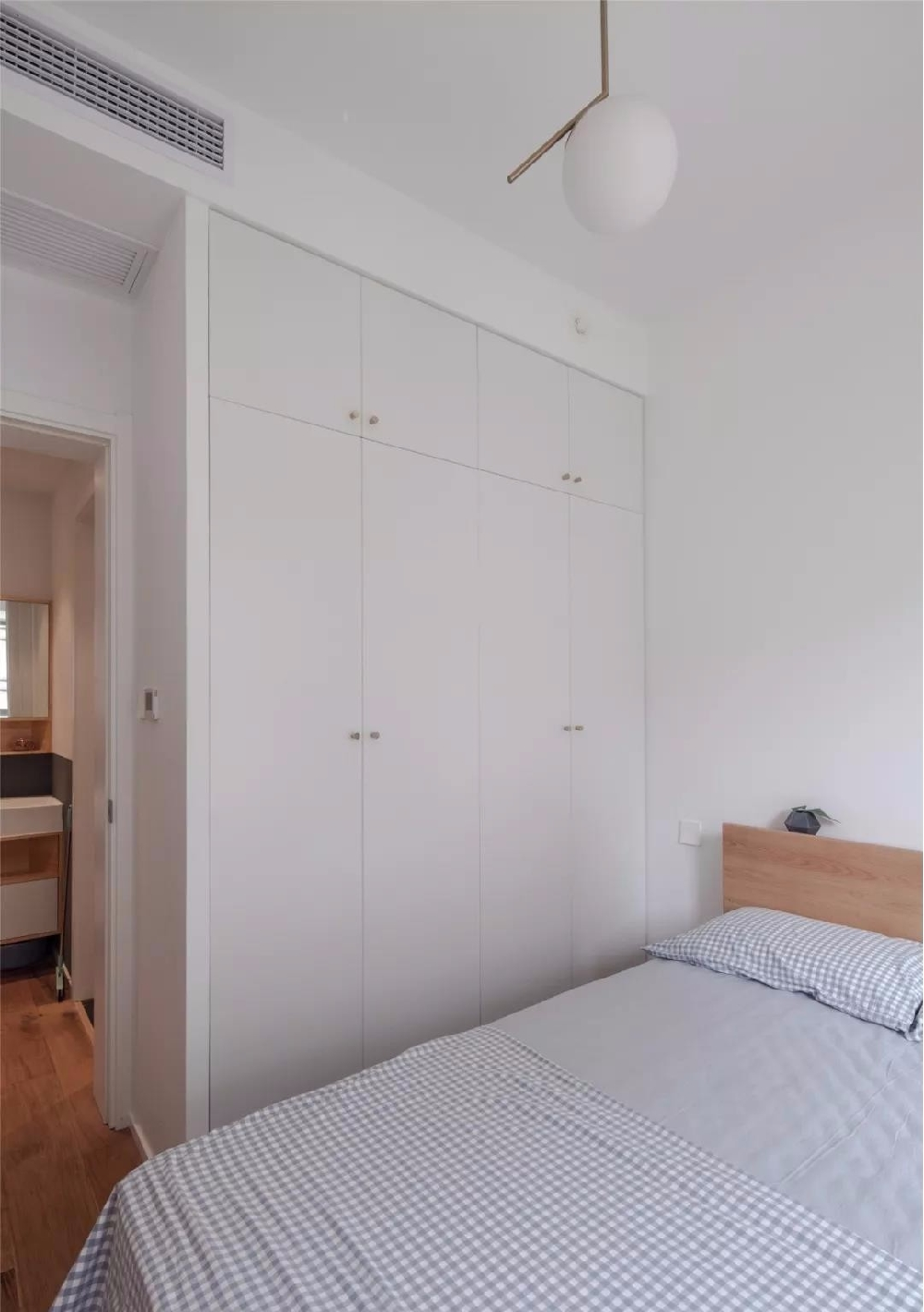 88㎡现代舒适,鞋柜+电视墙,实用大气12086425