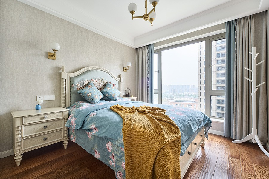 135平方米现代美式三室两厅12095962