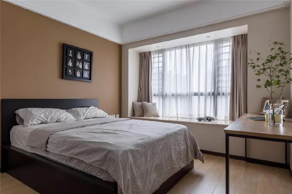 96㎡现代简约,玄关旁做个走廊+卫生间13496003