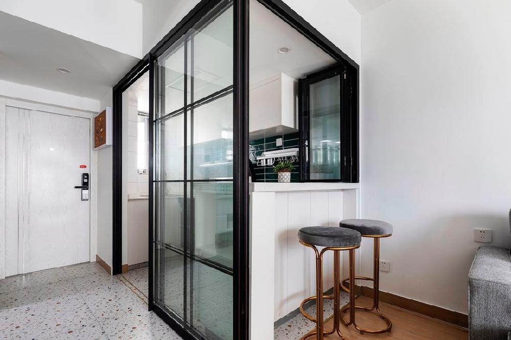 38㎡玻璃折疊窗實現半開放式廚房13783792