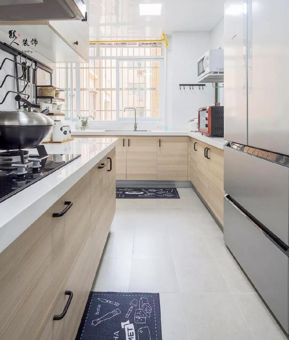 90平简约北欧三室 转角厨房超大空间14867418