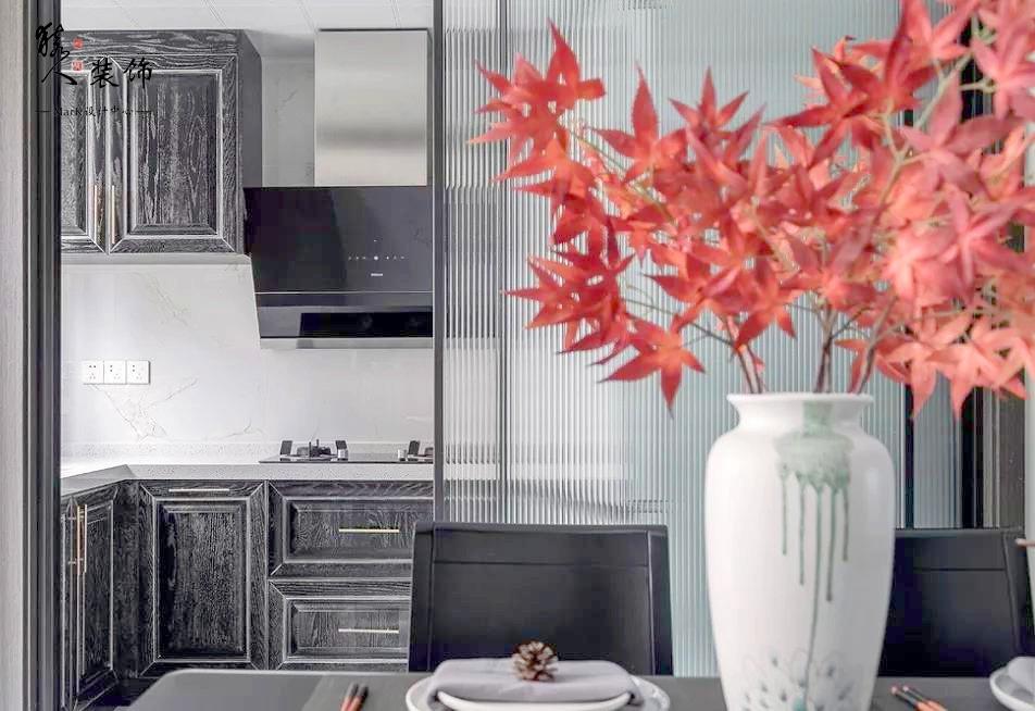 160㎡新中式4室,电视背景墙装隐形门14903499