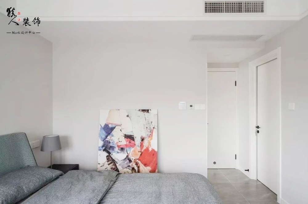 120平现代简约三室,电视背景也太能装了15136175