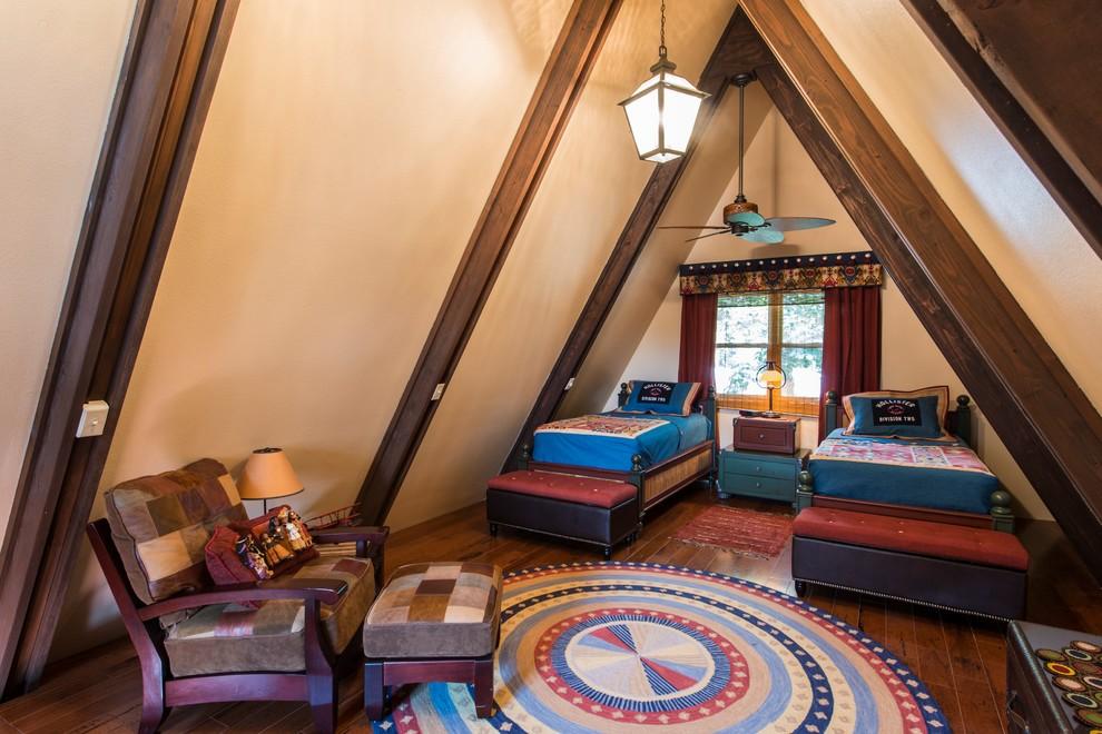美式卧室斜顶阁楼装修效果图