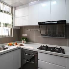 精美105平米三居厨房现代装修实景图片