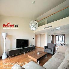 热门面积140平复式客厅现代实景图