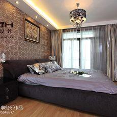 现代卧室墙纸窗帘装修效果图