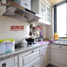 热门面积96平混搭三居厨房实景图