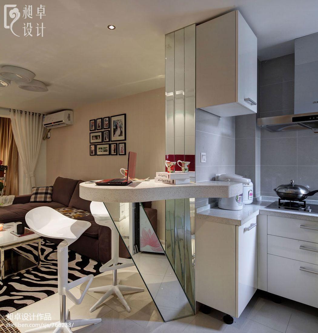 现代开放式厨房吧台装修效果图