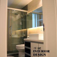 2018精选75平米二居卫生间现代装修设计效果图片