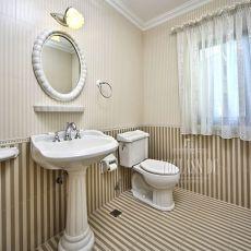 2018141平米混搭别墅卫生间装修设计效果图