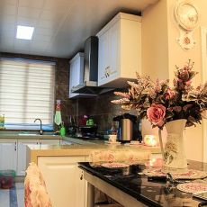 面积107平现代三居厨房装修设计效果图