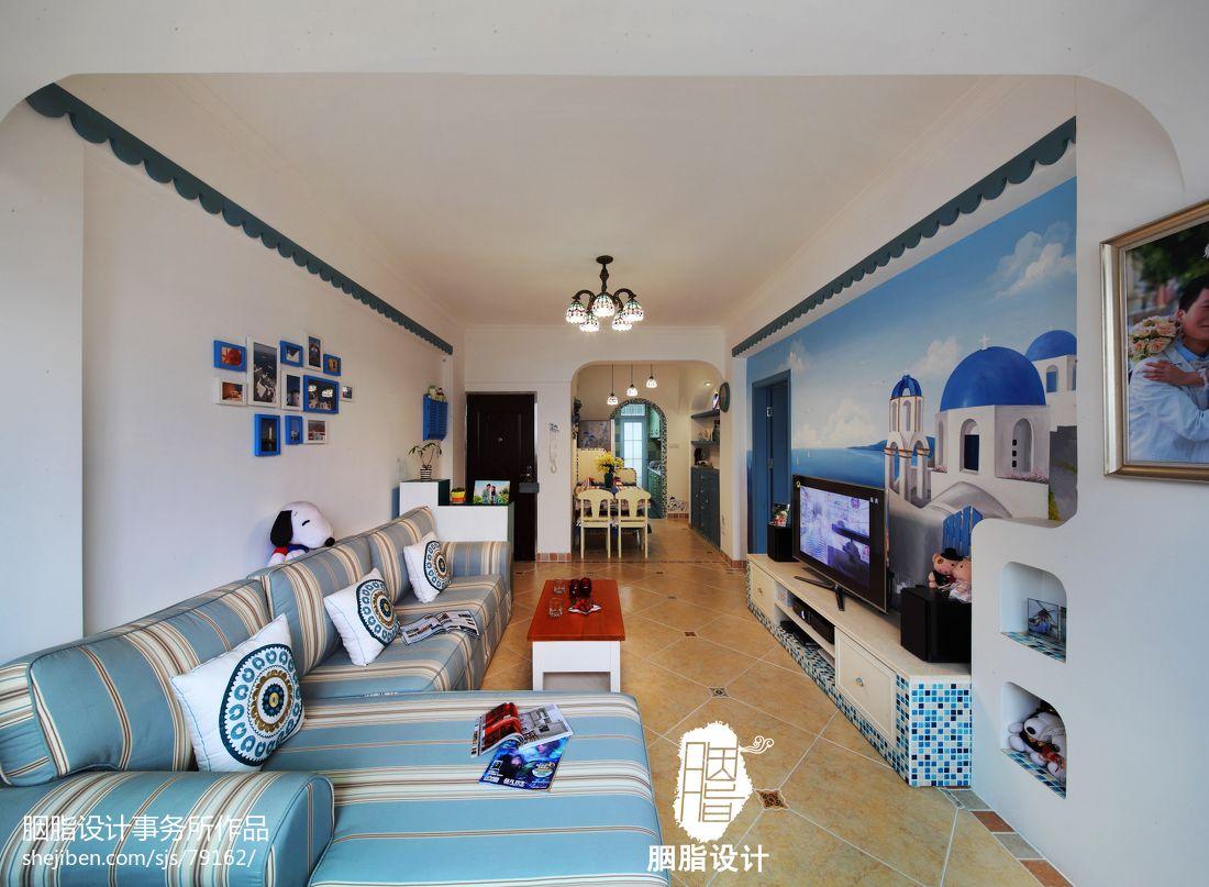 地中海婚房客厅电视背景墙装修图