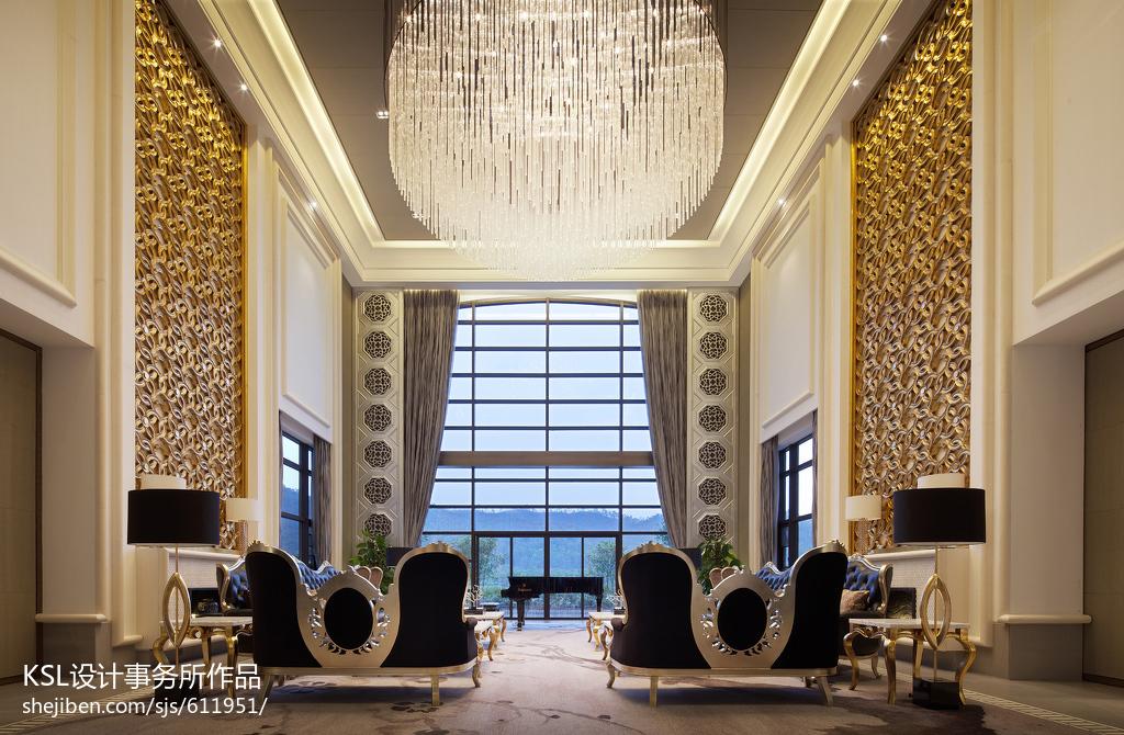 精选大小136平别墅客厅欧式装修效果图片