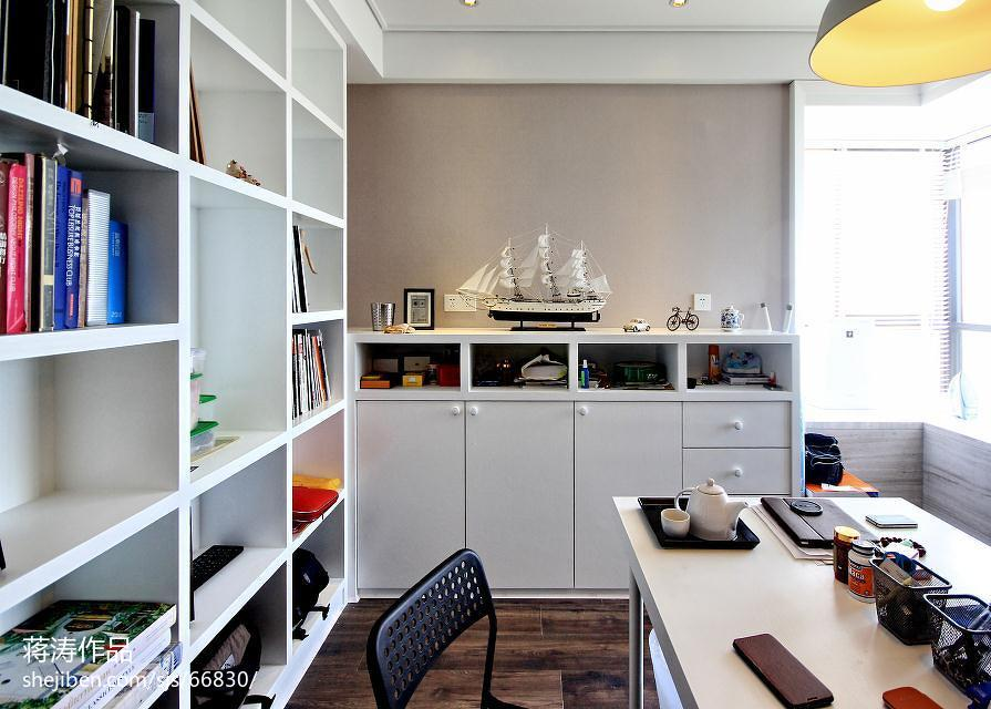 面积71平现代二居卧室装修设计效果图片欣赏