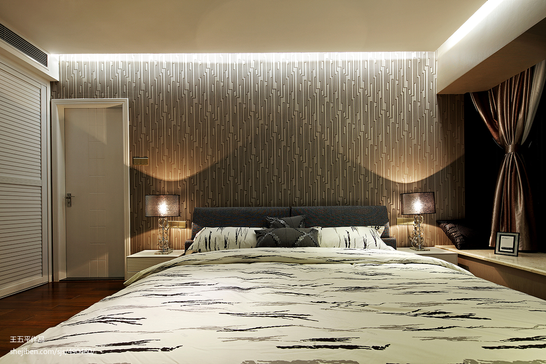 热门126平米四居卧室现代实景图片
