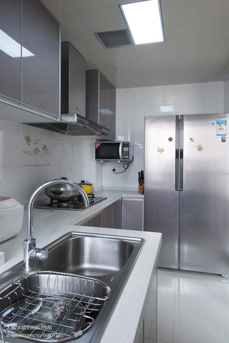 精选108平米三居厨房现代设计效果图