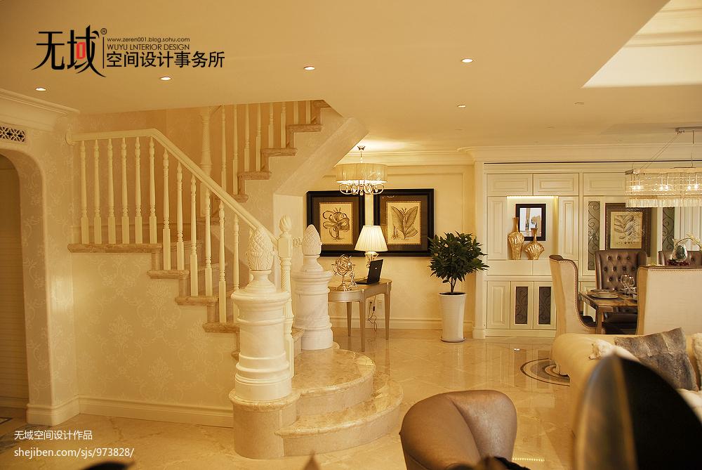 歐美混搭復式樓樓梯裝修效果圖