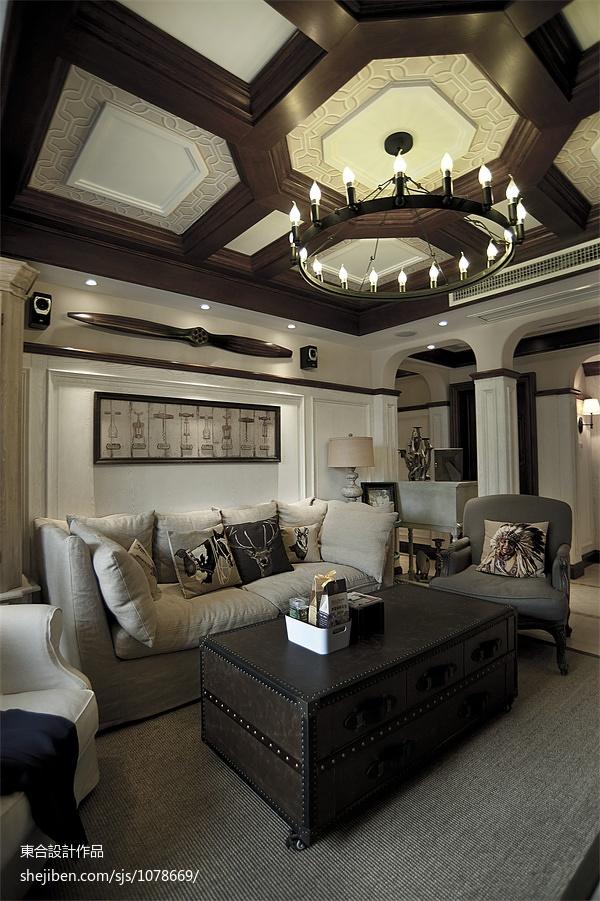 面积93平美式三居客厅装饰图