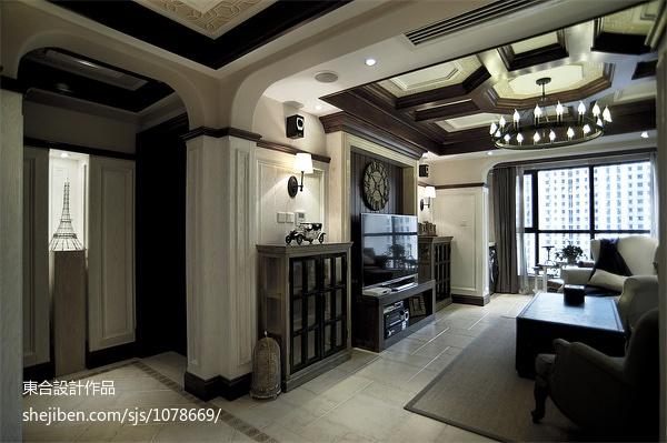面积95平美式三居客厅装修实景图