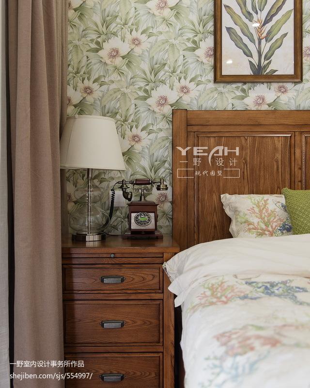 美式风格叠加别墅卧室背景墙装修