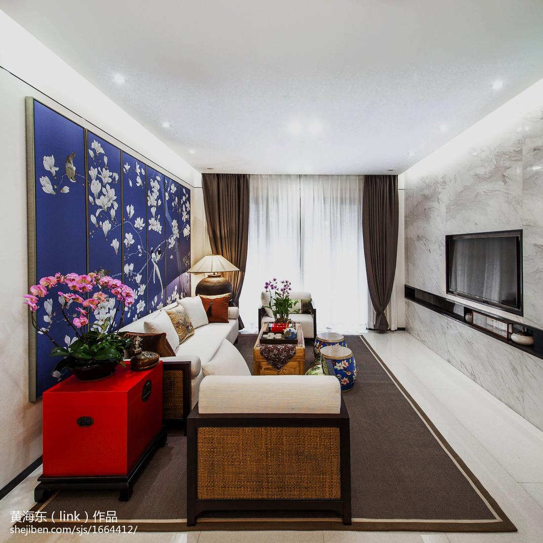 面积101平中式三居客厅装饰图
