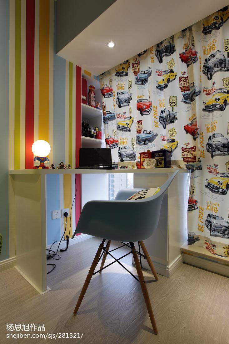 热门面积82平现代二居卧室装修图片