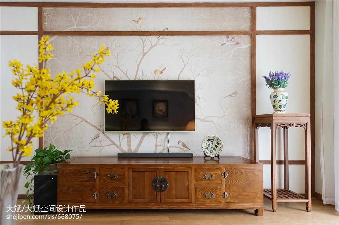 精选107平米三居客厅中式装修图