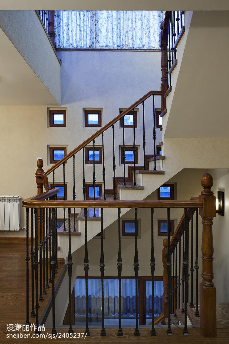 美式风格楼梯装修设计图大全欣赏