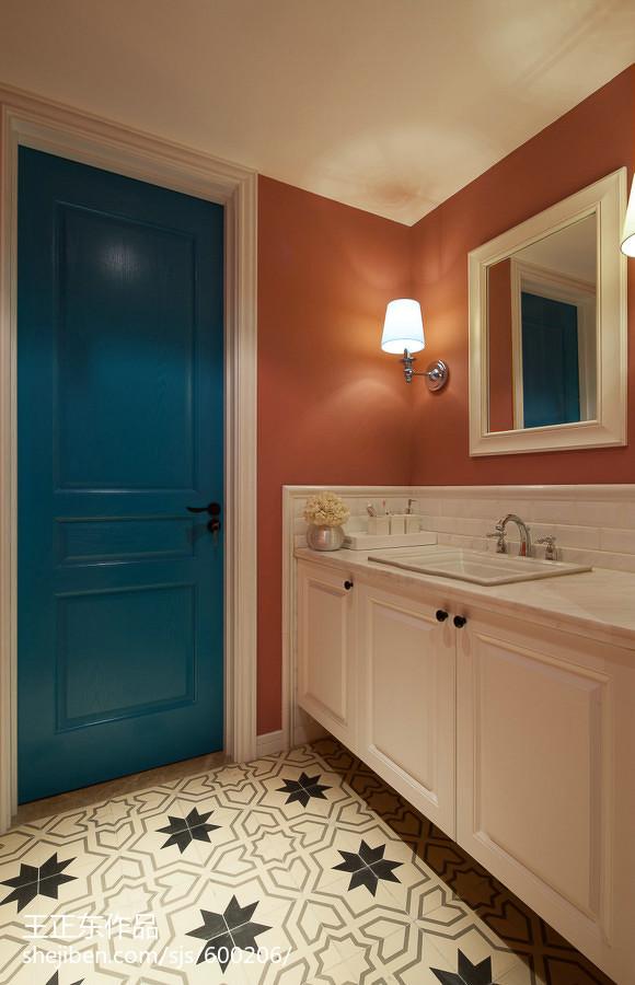 大小91平美式三居卫生间装修实景图片