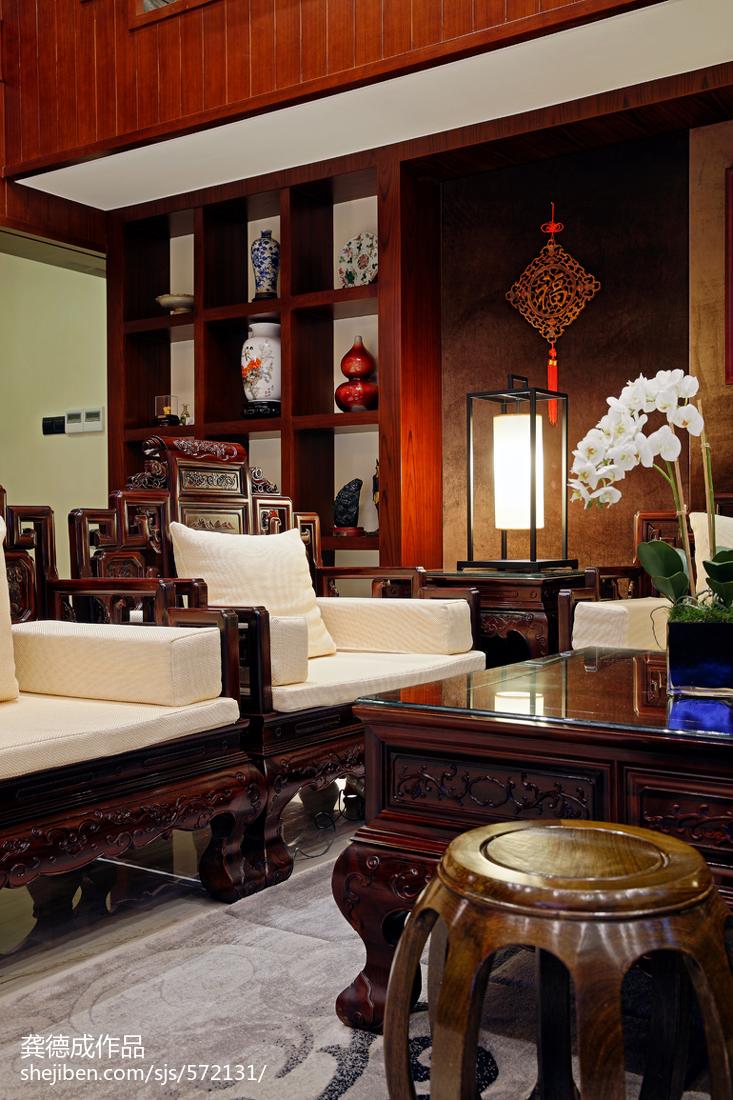 热门面积137平别墅客厅中式效果图