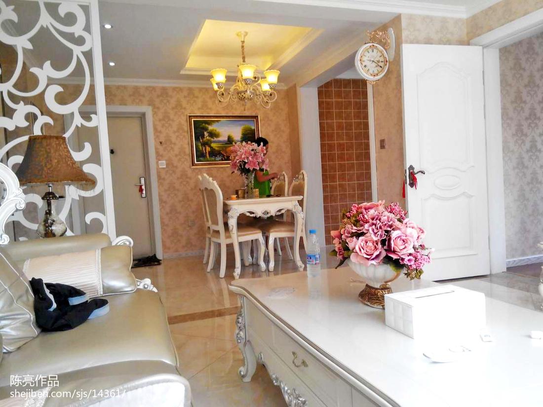 热门面积108平欧式三居客厅装修实景图片